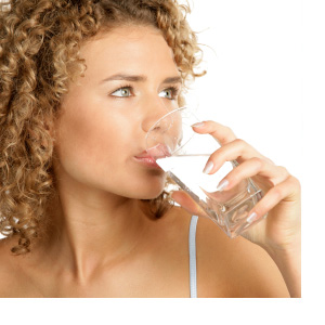 Woman_Drinking_Water