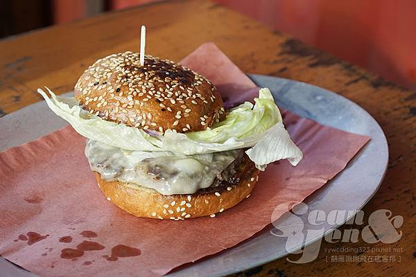 cheeseburger-1.jpg