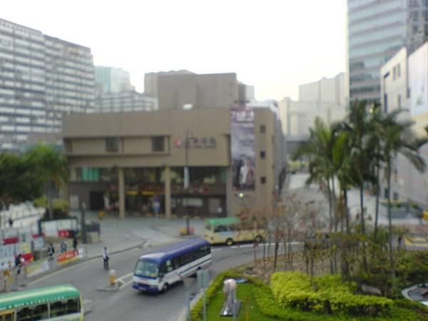 從葵芳地鐵站看劇場.JPG
