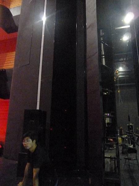 杭州大劇院三道鏡框.JPG