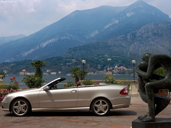 Mercedes-Benz-CLK_designo_by_Giorgio_Armani_2005_1024x768_wallpaper_03.jpg