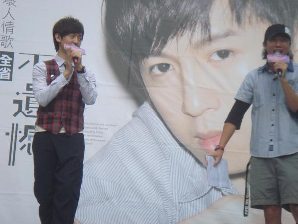 方炯鑌 不遺憾簽唱會 台中場- (37).JPG