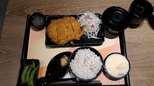 2015嚐鮮-定食8-起士豬排定食_3076.jpg