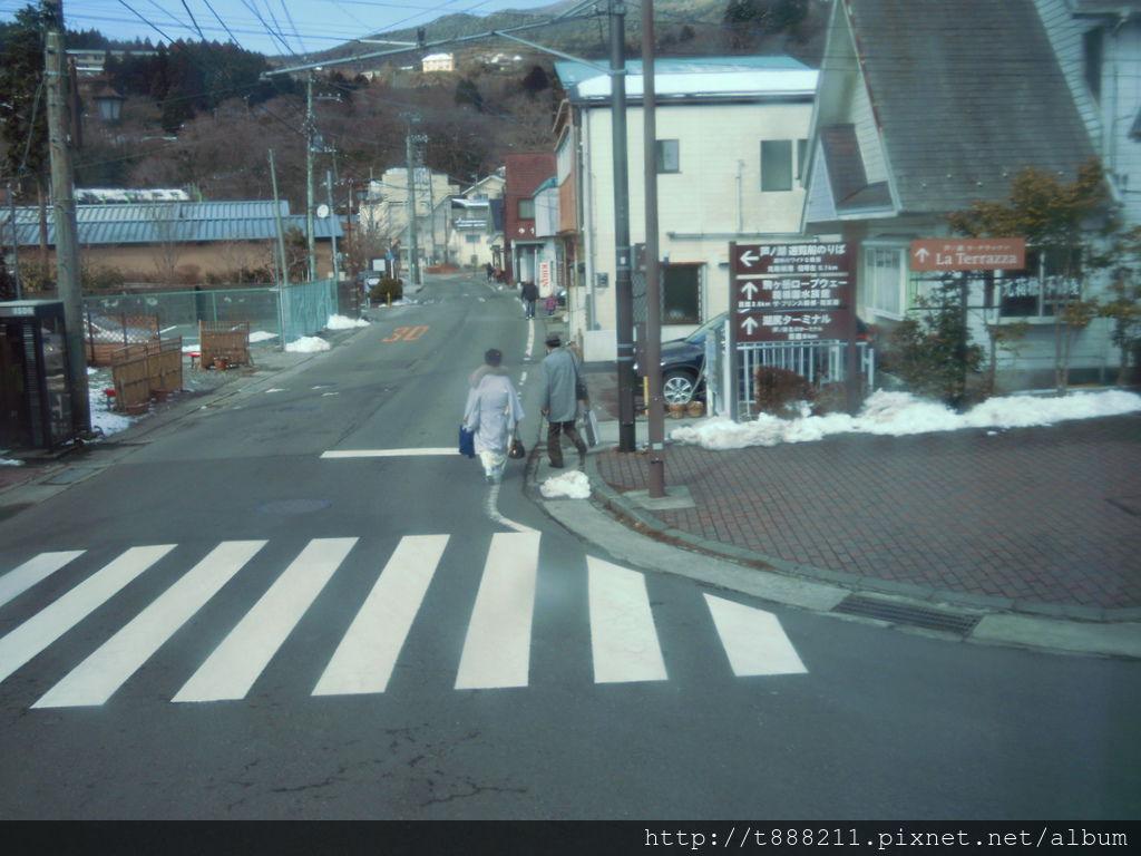 穿著和服的老人家-1