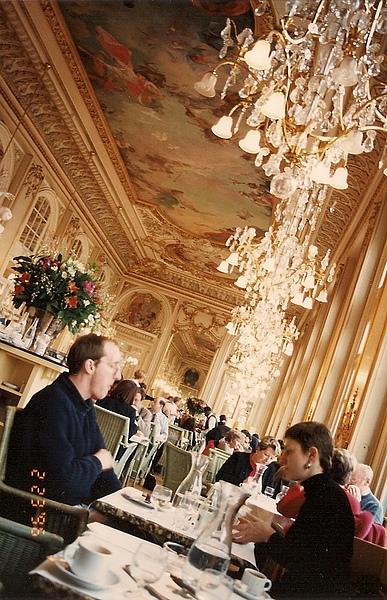 2010-06-12 008 巴黎-羅浮宮餐廳.jpg