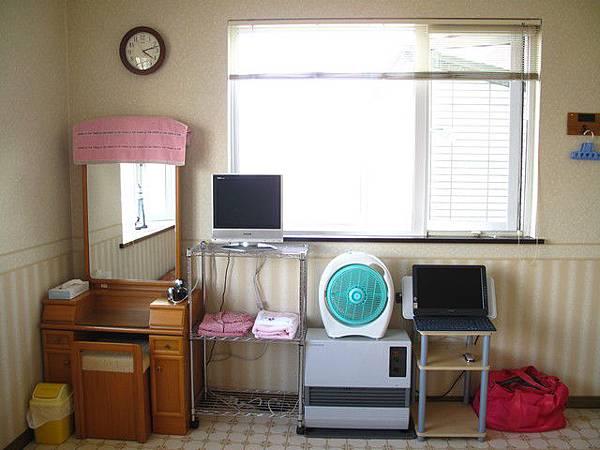 簡單乾淨的房間