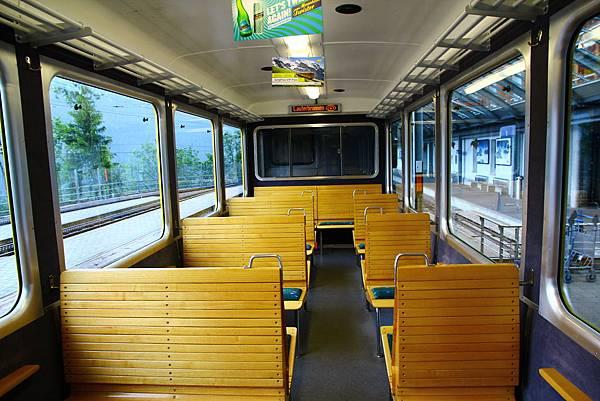 Wengen到Lauterbrunnen的列車