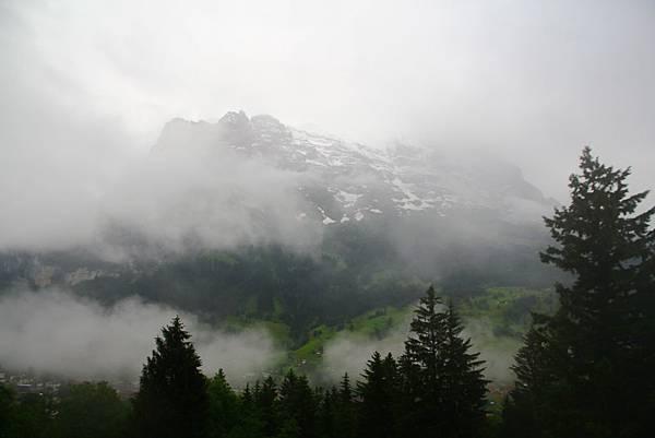又是雲霧繚繞的一天