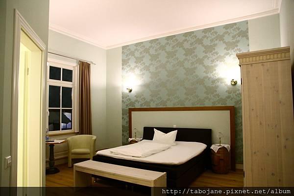 10/23 Garni–Hotel