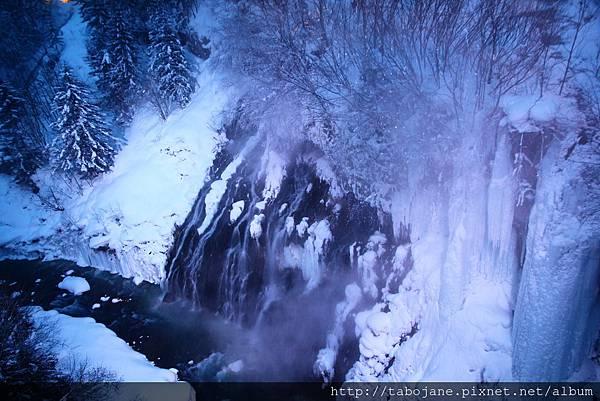 2/7 白ひげの滝ライトアップ