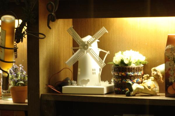 精緻的紙風車
