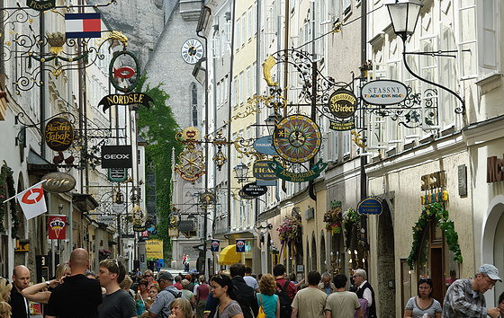Salzburg-Getreidegasse-7-b