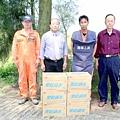20100608洪成發探慰排雷人員下鄉勘察建設