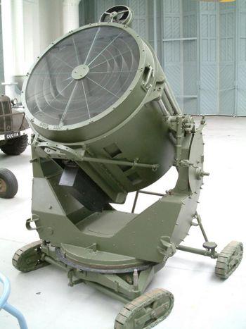 探照燈--二次大戰時代的防空探照燈.JPG