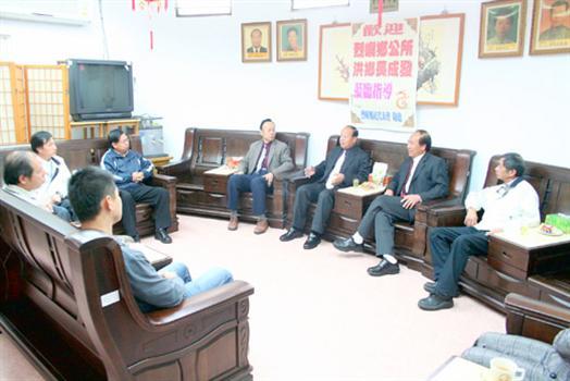 2010-03-03新官上任洪成發基層拜會馬不停蹄