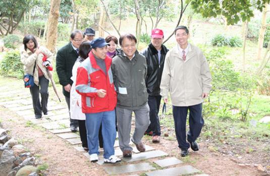 2010-03-09台北市國教參訪團來訪卓環祥獅迎賓