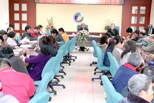 2010-03-17洪成發推廣種香芋擬保價收購