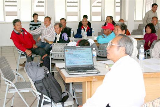 2010-03-24小地主大佃農農會進行政策宣導