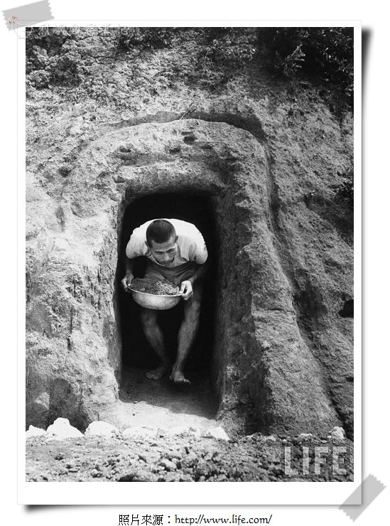 A Nationalist Chinese soldier working on a bunker on Quemoy Island.jpg