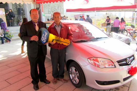20110206-烈嶼擲筊PK賽蘇南回開走轎車