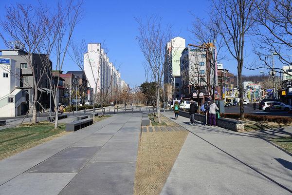 京義林蔭道書街3.jpg