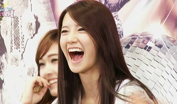 yoona-dream-team-alligator-laugh4
