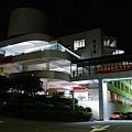 夜色中的圖書館.jpg