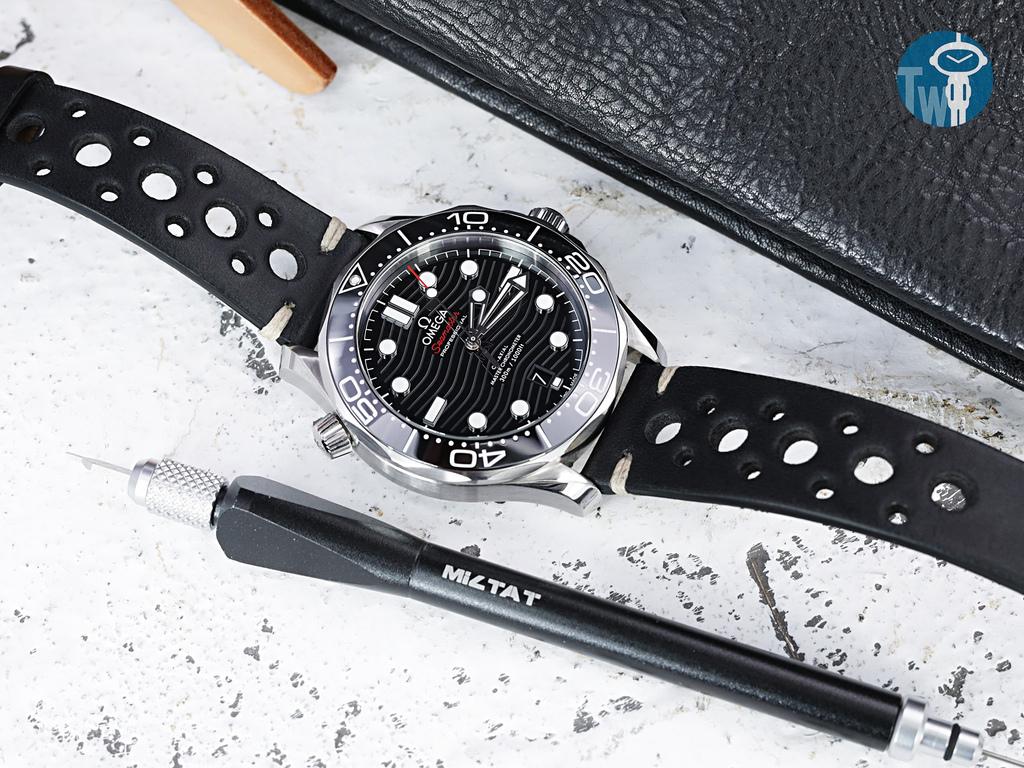 strapcode-watch-bands-W_20P16PBU63C1A111_Omega-Seamaster-300m-21030.jpg