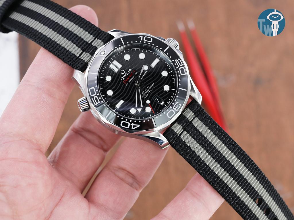 strapcode-watch-bands-W_20B20PBU66N9P060_Omega-Seamaster-300m-21030.jpg