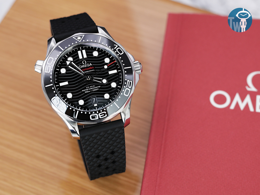 strapcode-watch-bands-W_FKM07A-20A18PBU63_Omega-Seamaster-300m-21030.jpg