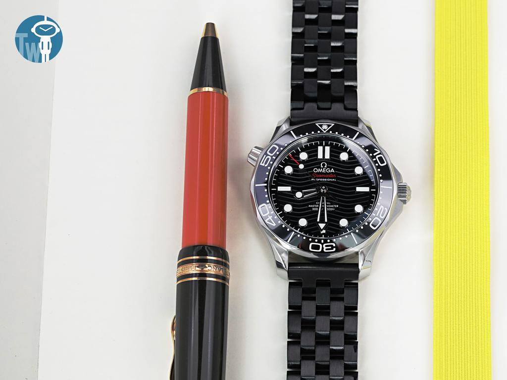 strapcode-watch-bands-W_SS202003BBK024_Omega-Seamaster-300m-21030.jpg