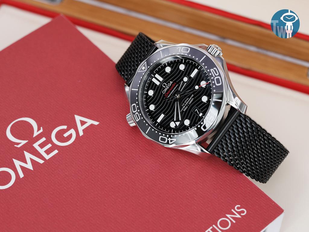strapcode-watch-bands-W_MB2016FYBBK046_Omega-Seamaster-300m-21030-1.jpg