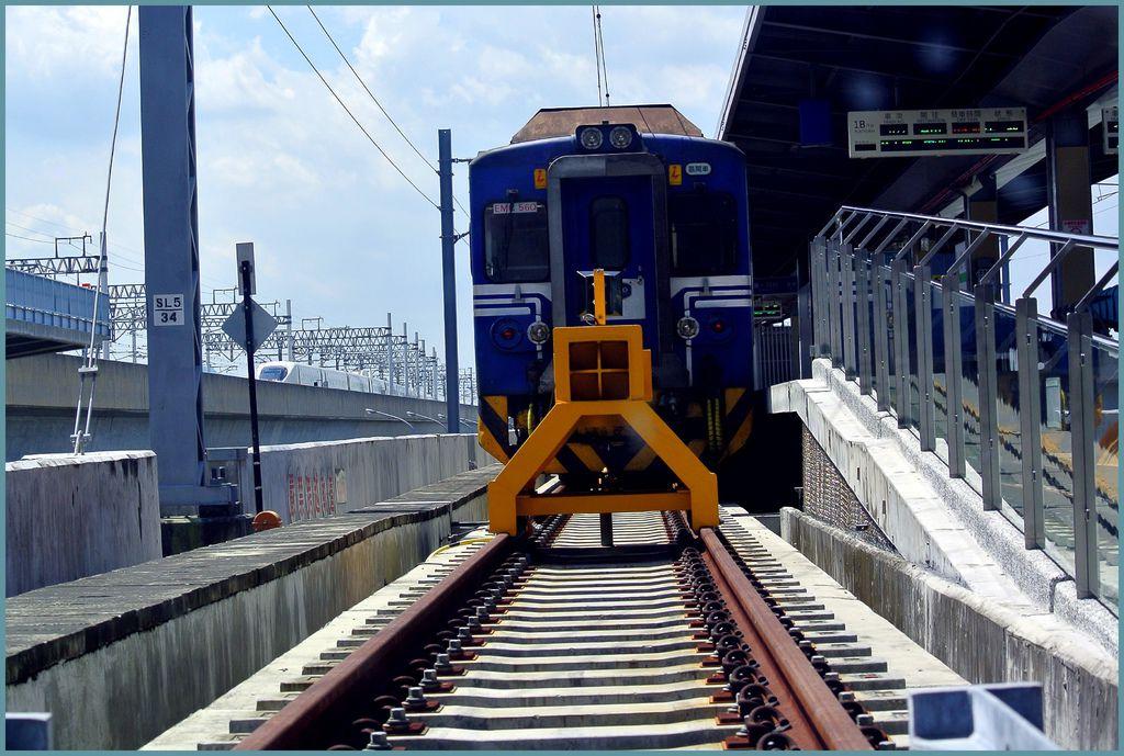列車003