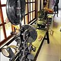 台南市鹽水永成戲院還保存4部骨董電影放映機。
