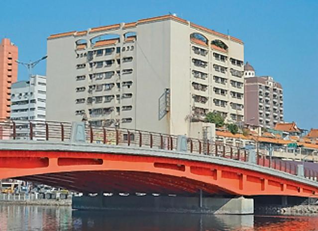 中正路底的中國城大樓將拆除,地方認為「龍穴」通暢後,可帶動周遭商業發展。