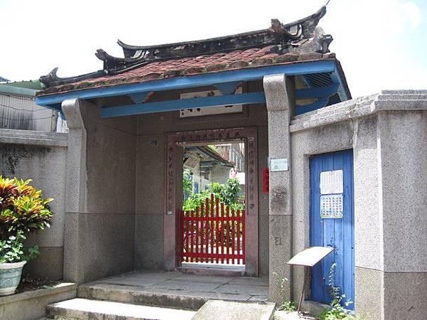 陳世興古宅位於赤崁文化區旁。