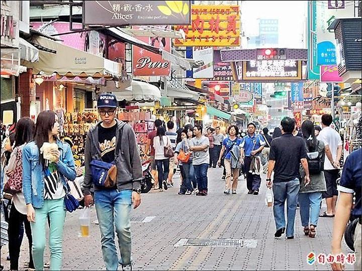 市府有意試辦國華街徒步廣場,店家看法兩極。