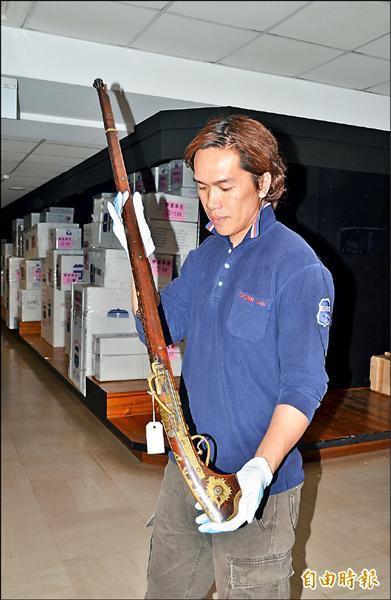 日本18世紀的火繩槍,是奇美館藏重要的古兵器。