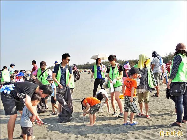 台南春季淨灘 垃圾量比去年少2公噸