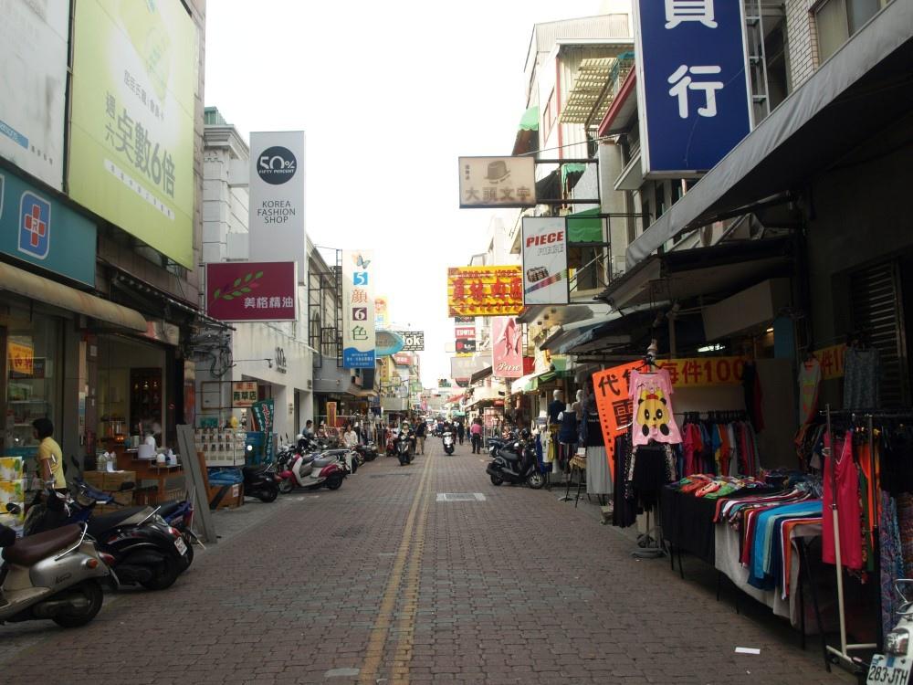 市府經發局從五月起,每個假日試辦國華街徒步區。