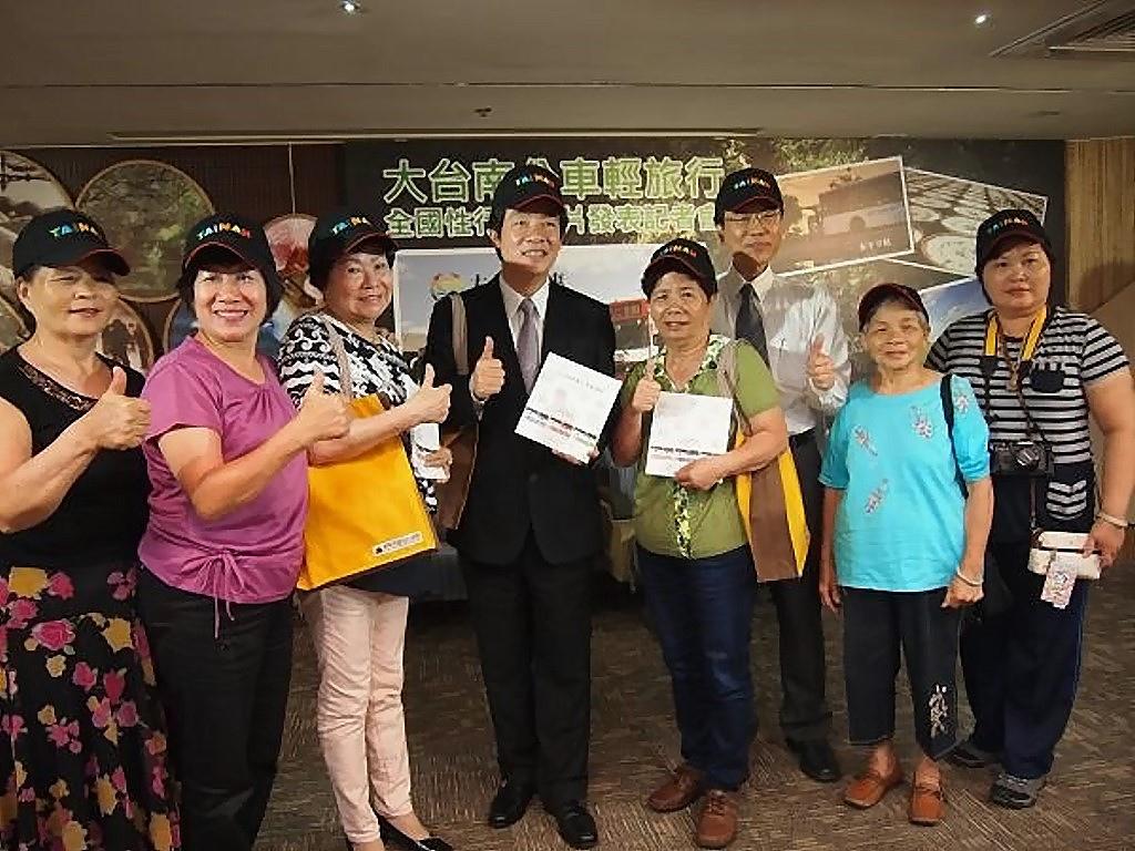 台南公車輕旅行短片 素人演員搶鏡
