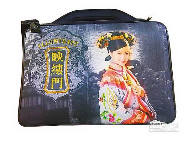 府城光彩第二代創立「映縷門」品牌,讓刺繡不再只是宗教用品。