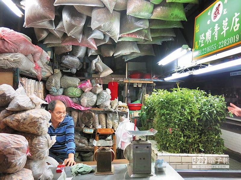 水仙宮市場包羅萬象,許多店鋪隨意亂逛就可發現趣味。
