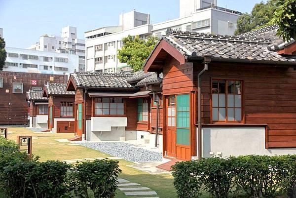 台南日式老建築-丁種官舍,經過修復後重新成為全新的藝文空間「書香種子」。