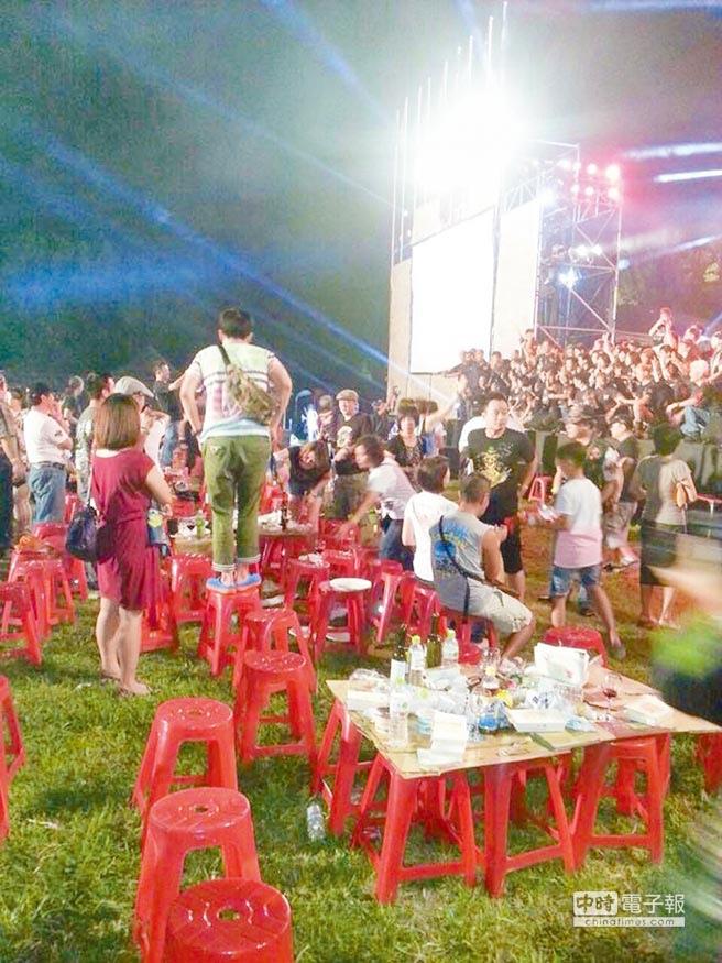 哈雷車友前晚竟在億載金城飲酒作樂,猶如開趴,讓台南市文化局震怒,不排除提告。