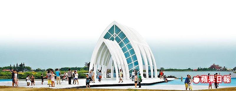 水晶教堂是北門婚紗美地第一期工程中的亮點,並計畫在10/19舉行集團婚禮。