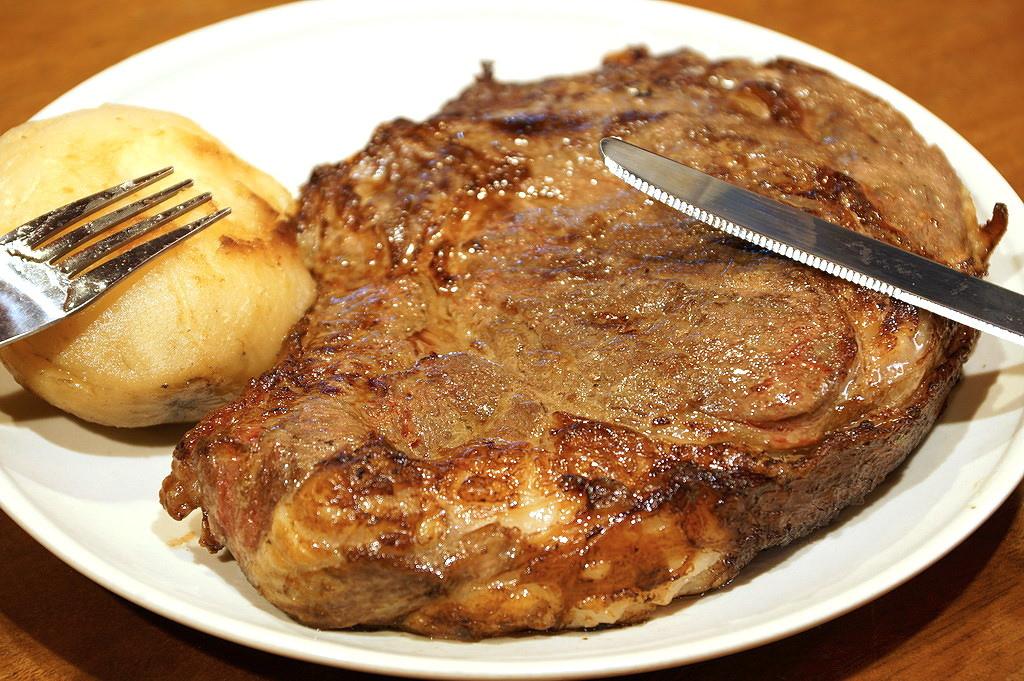 【隱藏版】U.S. Prime 5公分厚切帶骨肋眼牛排一份,約22oz,可供四人分食,市價約2500