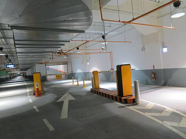 海安路地下停車場