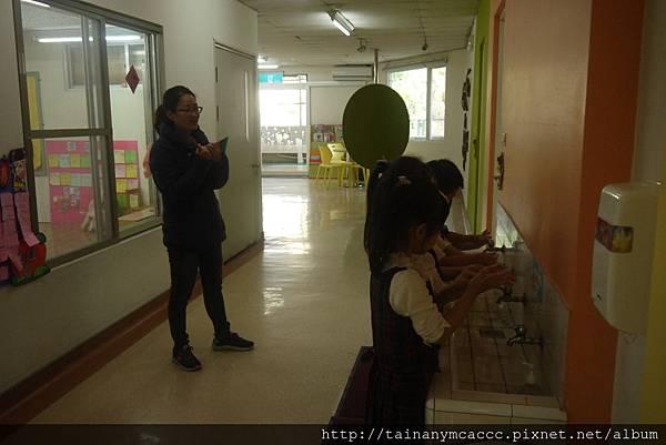 106.03.06衛生所抽查洗手五步驟 (2).JPG