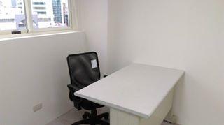 標準桌椅.jpg